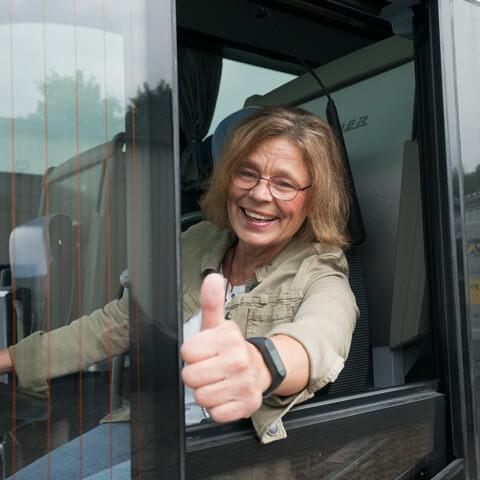 Frau-im-Bus