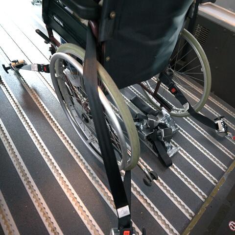 Rollstuhl-Sicherung