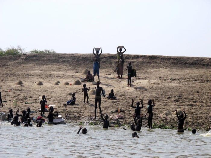 Akobo river (Photo Johannes Dieterich)