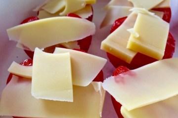 Tomaten mit k.u.k. Emmentaler von der Sennerei Huban in Doren