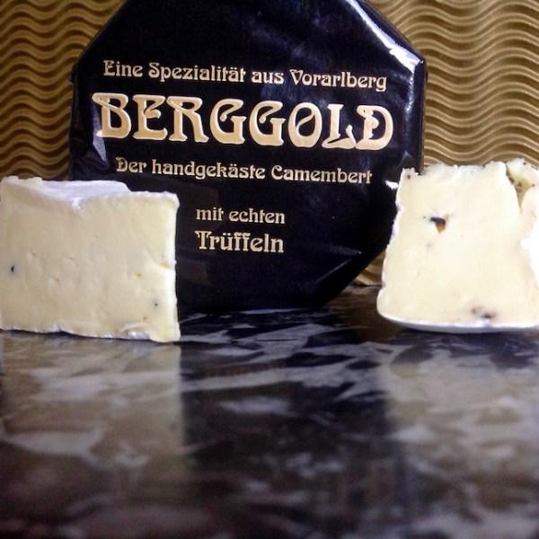Camembert Berggold mit schwarzen Trüffeln von der Feinkäserei Bantel