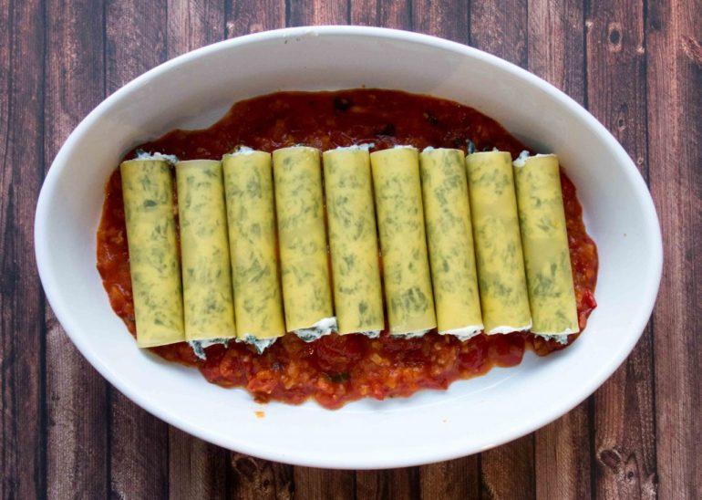 Cannelloni auf Tomatensauce
