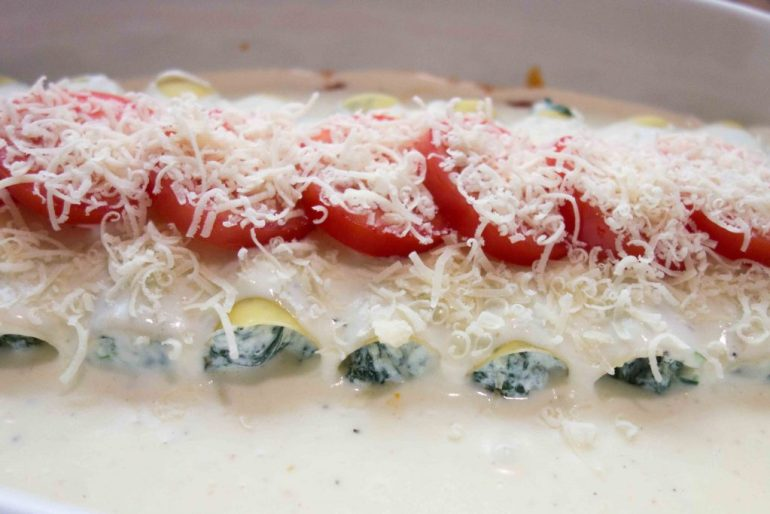 Cannelloni auf Tomatensauce