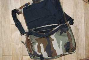 Eine Eastpak Delegate in Camouflage-Optik.