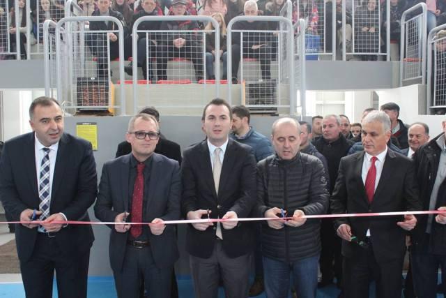 """Në hapjen solemne të sallës së re sportive në Shkollën Fillore """"Sabedin Bajrami"""" në Kamjan të komunës së Bogovinës."""