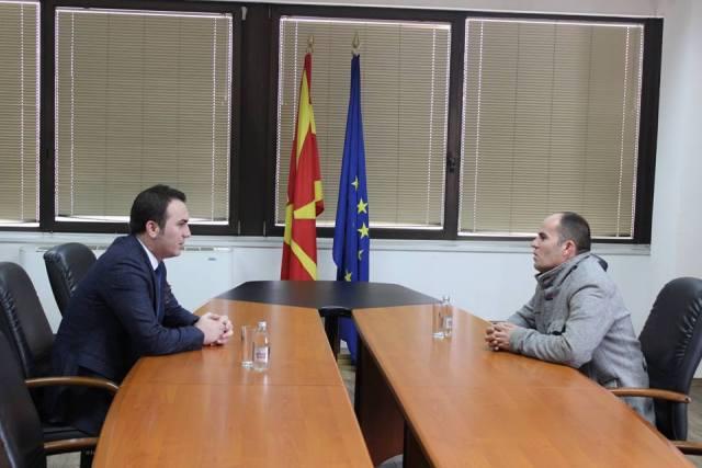 Ministri i arsimit, Arbër Ademi: Mbyllet me sukses historia e arsimtarit Skender Abazi