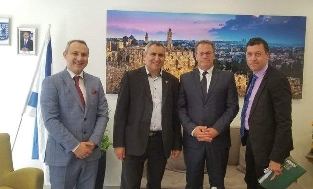 Takimi i ministrit Hysni Ismaili me ministrin e mjedisit jetësor, Zeev Elkin dhe me drejtoreshën e Kulturës së Izraelit, Galit Vhaba Shasho