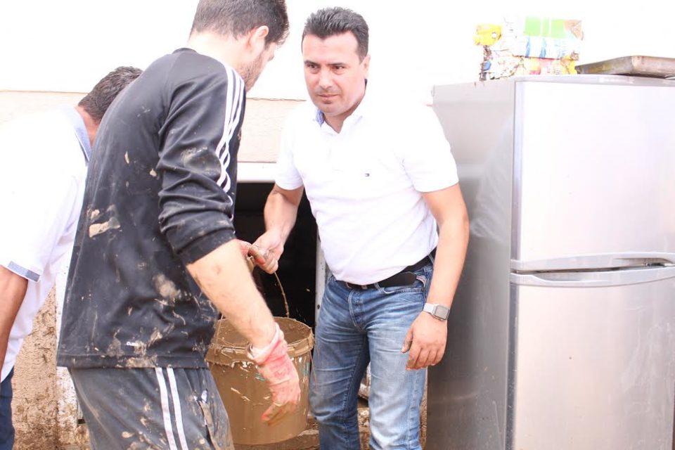 E jashtëzakonshme Si ndihmoi Zaev gjatë krizës së vërshimeve dhe si nuk ndihmon Mickoski tash gjatë krizës së virusit Korona