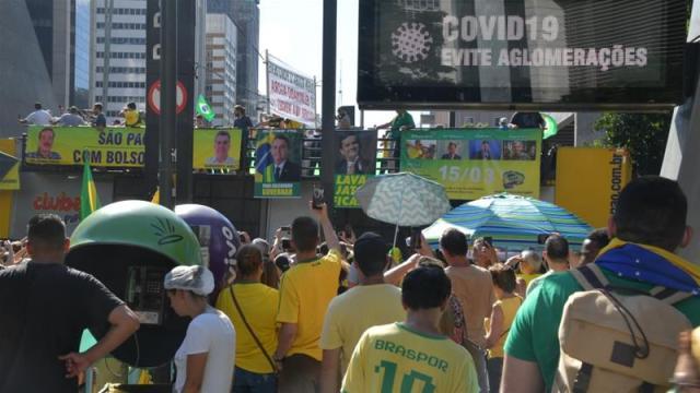 Protesta në disa qytete braziliane kundër masave kufizuese të udhëtimit