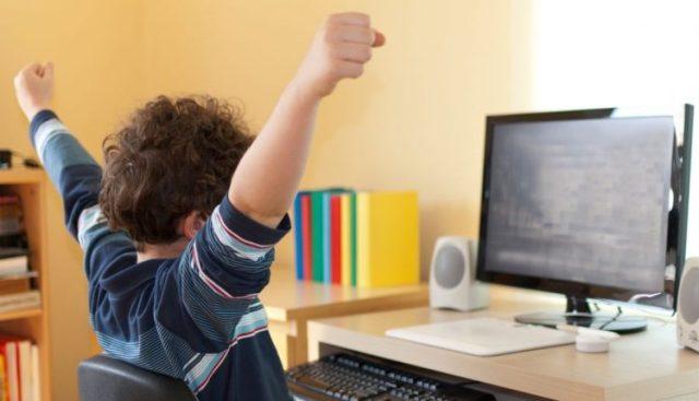 Megjithatë mësimi online zhvillohet pa ndërprerë në SH.F 'Ismail Qemali' nga 27 Mars