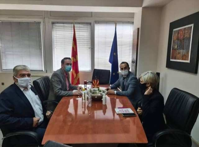 Ministri Shaqiri takon ministrin Milevski: Diskutojnë për reformat në administratë