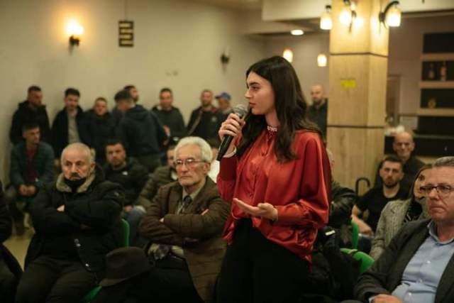 Legalistët hyjnë në parlament, kandidatja Andia Ulliri rekord votash në qarkun Durrës