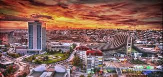 Prishtinë: Paralajmërohet mbyllje totale e gastronomisë dhe qendrave tregtare nga 6 deri më 18 prill