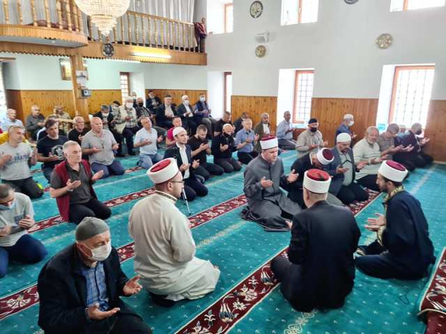Duaja e Leximit përmendësh i Kur'ani Kerimit në xhaminë e Saatit – Tetovë