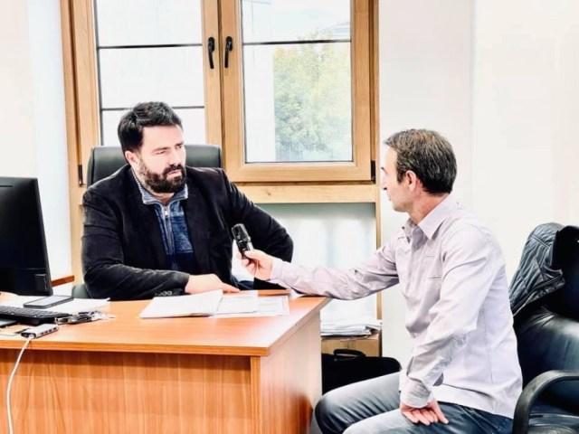Në zyrat e Ansamblit Nacional të këngëve e valleve popullore shqiptare ishte i pranishëm sot gazetari i njohur i kulturës Gazmend Agai.