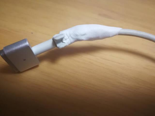 suguru MacBook コード 断線 修理