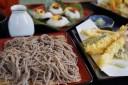 長野飯山駅の「富倉そば」は蕎麦と笹ずしがおすすめ