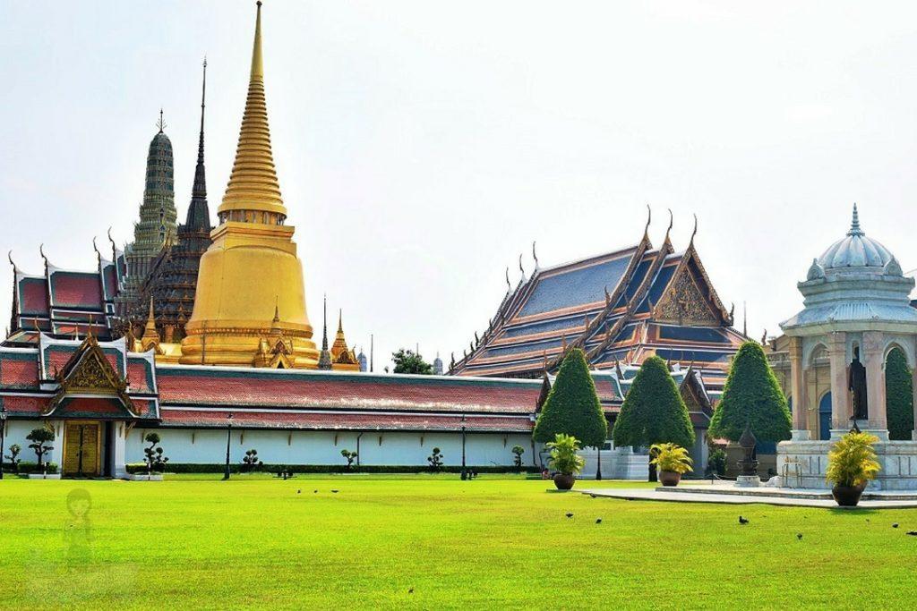 Temple of the Emerald Buddha - Wat Phra Kaew Bangkok