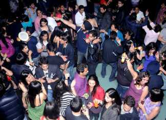 Chandigarh - Girls can not enter in disco wearing Mini Skirt
