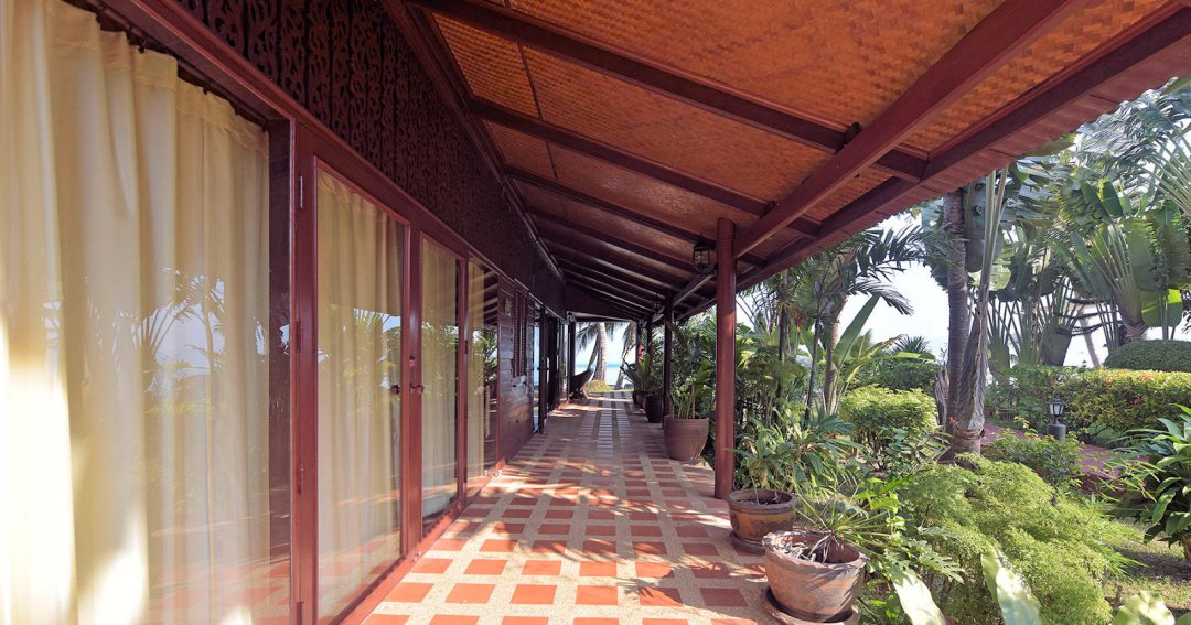 R2 Coconut River Beachfront Villa