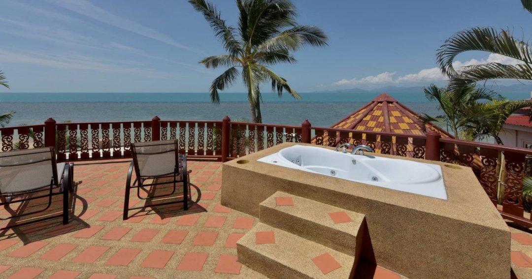 R1 Coconut River Beachfront Villa