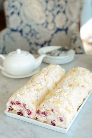 Raspberry-Meringue Roll