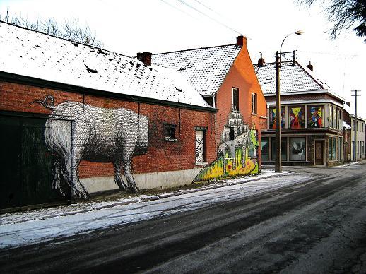 Animals anatomy graffiti by Roa