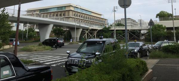 ワールド記念ホール前のタクシー
