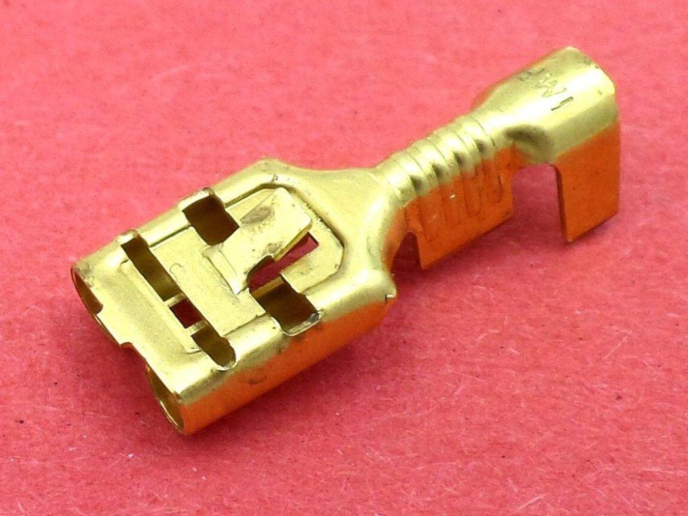 medium resolution of  6 3mm 11 way 12 volt automotive wiring loom connector in white