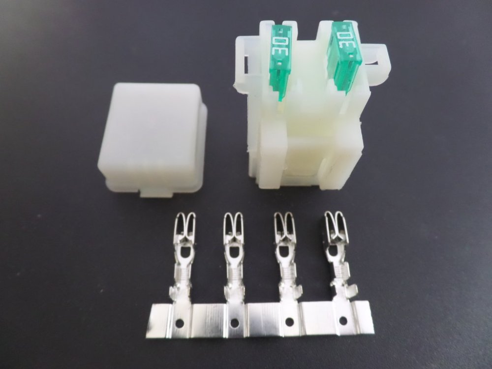 medium resolution of 2 way motorcycle bottom entry blade fuse box crimp terminals mini blade fuse relay box kit 4 way waterproof mini blade fuse box