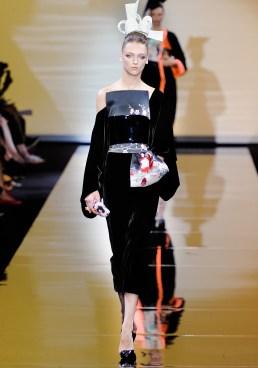 armani-prive-couture-fw-2011-015_105446513812