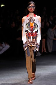 givenchy-rtw-ss2014-runway-21_182024492481