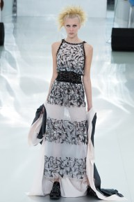 chanel-spring-2014-couture-41_104759863485