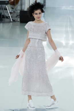 chanel-spring-2014-couture-50_104806518748