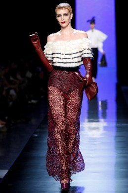 jean-paul-gaultier-spring-2014-couture-runway-08_122010982133