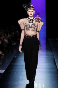 jean-paul-gaultier-spring-2014-couture-runway-25_122024907816