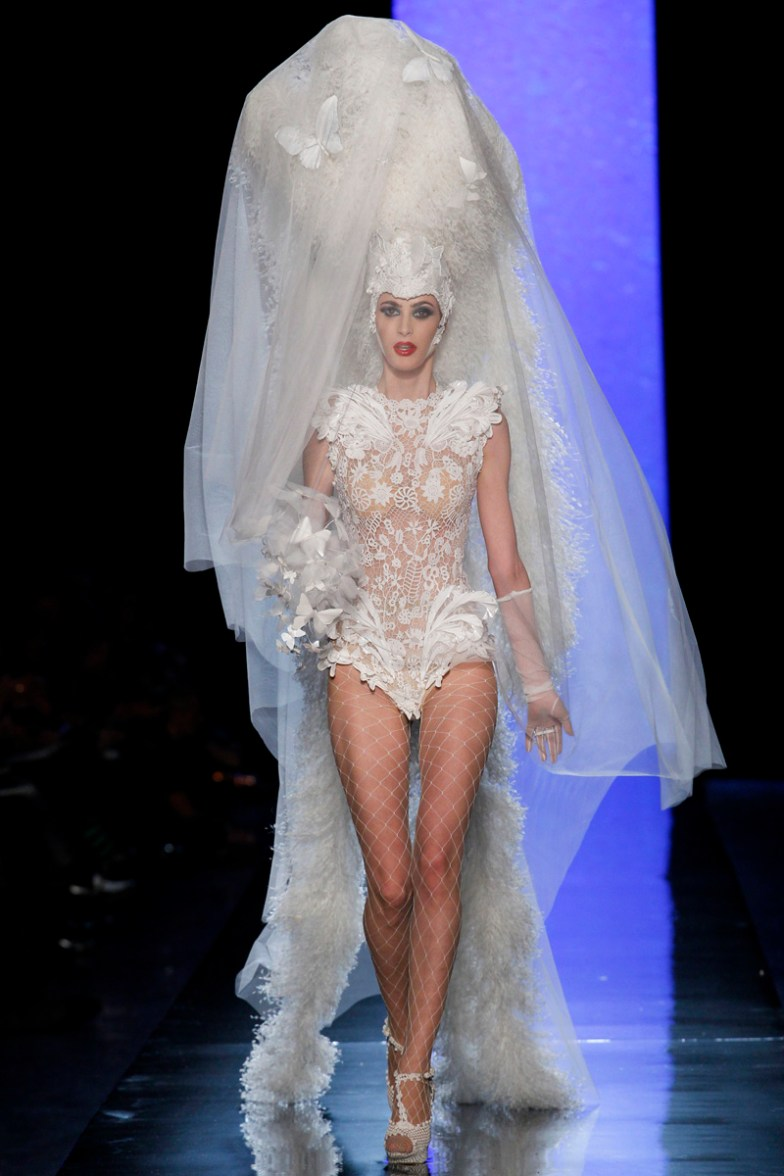 jean-paul-gaultier-spring-2014-couture-runway-46_122042855552