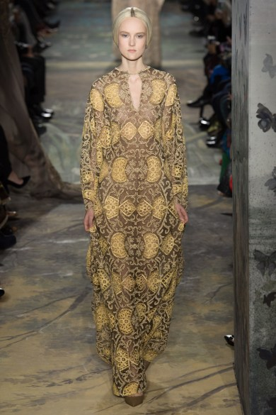 valentino-spring-2014-couture-runway-36_164036785926