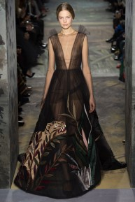 valentino-spring-2014-couture-runway-55_164052182672