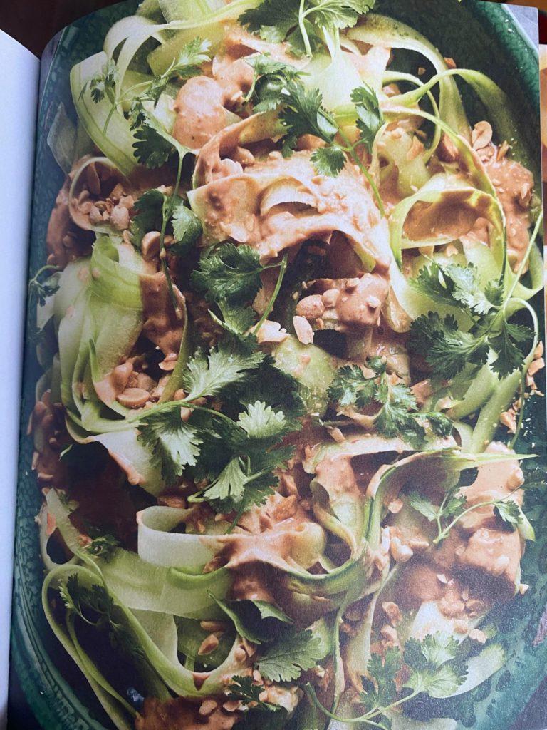 Bilde av agurksalaten, hentet fra kokeboken.