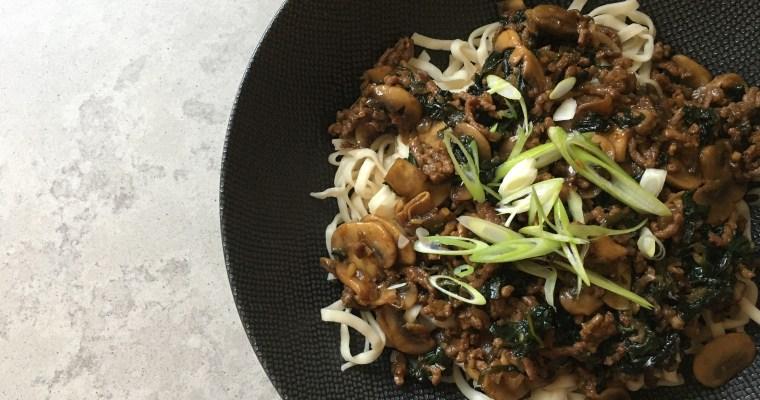 Koreaanse bolognese met rijstnoedels
