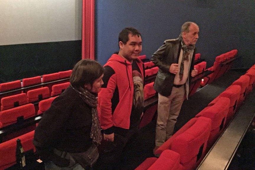 Regisseur Eike Besuden und zwei Schauspieler