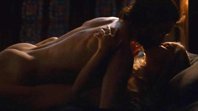 Game of Porn! There's 134 Breasts, 60 Bums, 82 Nude Scenes And 7 Penises In 108 Minutes In Game of Thrones 5