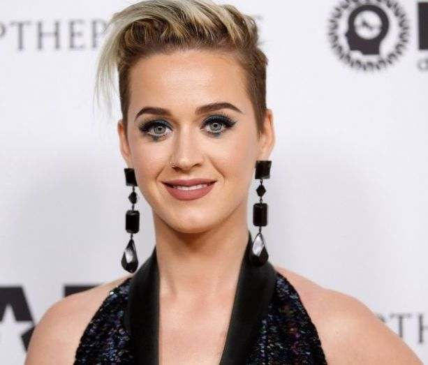 """Katy Perry Shades Meghan Markle, Says Givenchy Wedding Dress Needed """"One More Fitting"""" 1"""