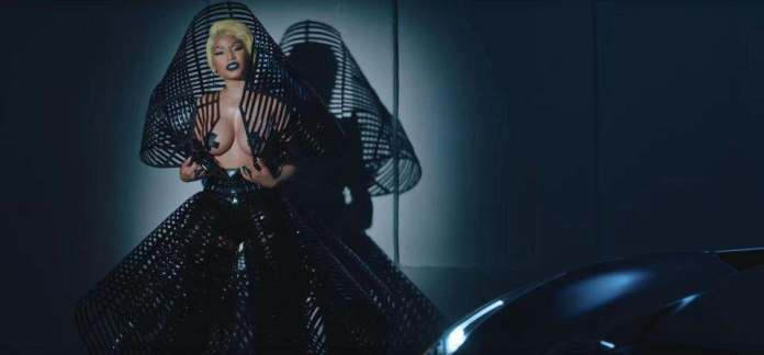 Krippy Kush! Nicki Minaj Goes Topless For New Raunchy Video  3