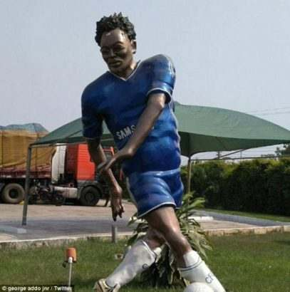 You Should See This Statue Of Chelsea Star, Michael Essien In Ghana 3