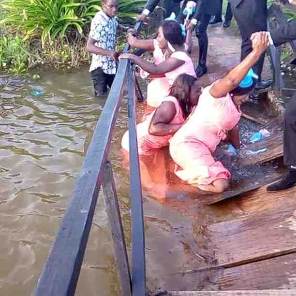 Must Watch: Here's The Viral Video Of Bridesmaids Who Fell Into River On Their Way To A Wedding 1