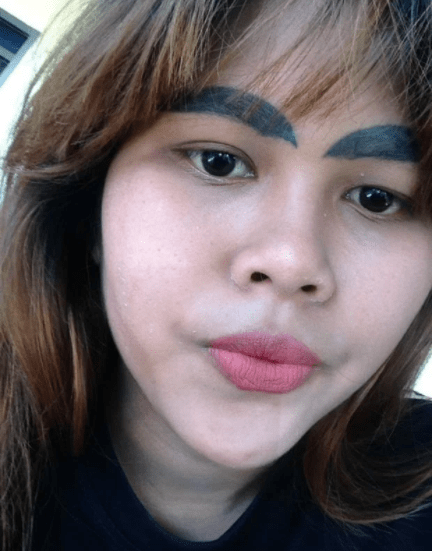 Hilarious! Woman's Fuller Brows Tattoo, Goes Wrong 1
