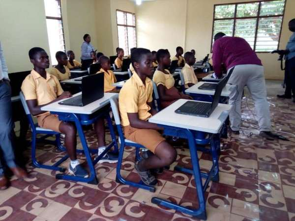 Microsoft Gives Out Free Laptops To Ghanaian School Where Teacher Drew Microsoft Word On Chalkboard 1