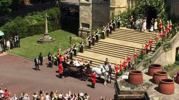 Stunning! Meghan Markle And Prince Harry Royal Wedding Carriage Procession 2